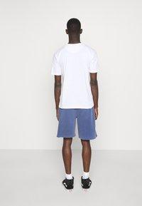 Newport Bay Sailing Club - CORE 3 PACK - T-shirt basic - khaki, black, white - 2
