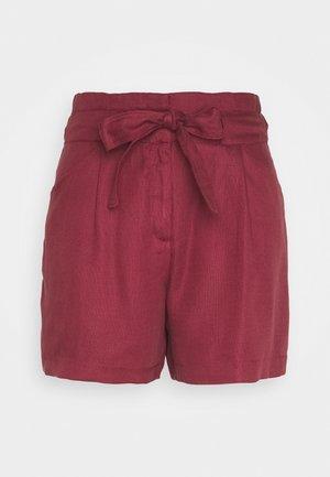 VMTEAGAN LOOSE PAPERBAG - Shorts - tibetan red