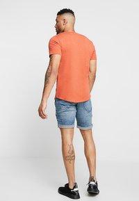 Redefined Rebel - OSLO DESTROY - Denim shorts - frozen blue - 2