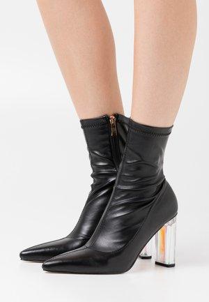 STECY - Kotníková obuv na vysokém podpatku - black