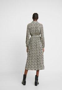 Selected Femme - SLFDITTE MIDI DRESS - Robe chemise - black - 3