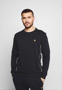 Lyle & Scott - Sweatshirt - true black - 0
