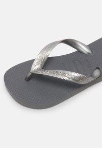 Havaianas - TOP TIRAS - Pool shoes - steel grey - 6