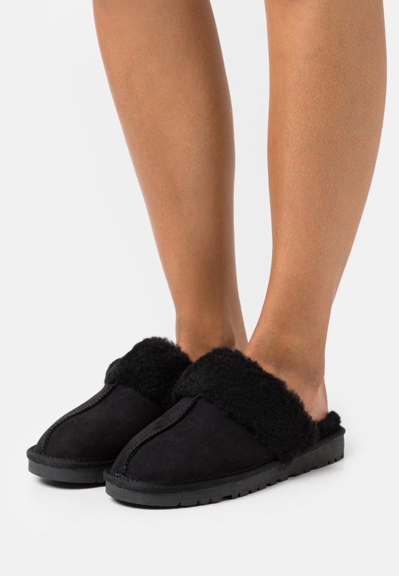 Bianco - BIASWEETIE HOMESLIPPER - Slippers - black
