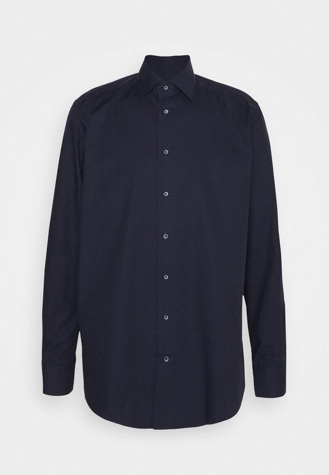 CONTEMPORARYN FINE STRIPES SHIRT - Business skjorter - navy