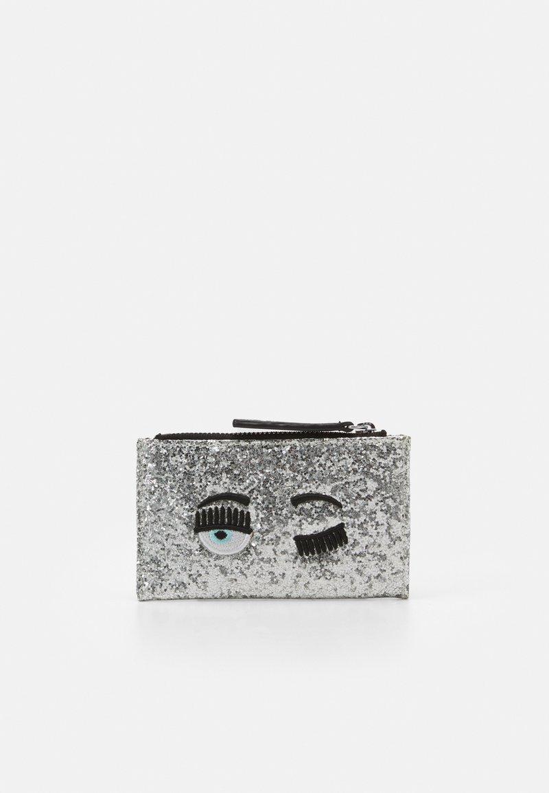 CHIARA FERRAGNI - FLIRTING GLITTER CARDHOLDER  - Wallet - silver