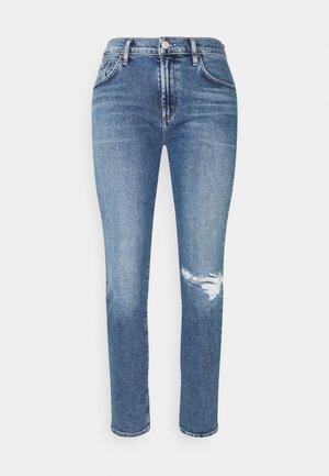 TONI MID RISE - Slim fit jeans - shoreline