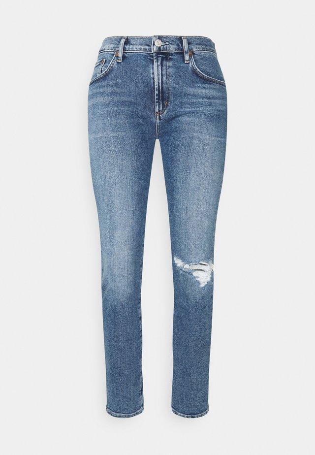 TONI MID RISE - Jeans Slim Fit - shoreline