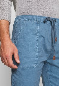 INDICODE JEANS - THISTED - Shorts - aegean blue - 3