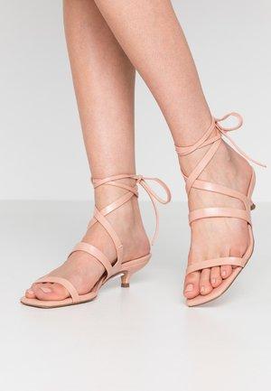 NARLA STRAP MINI - Sandaalit nilkkaremmillä - pink