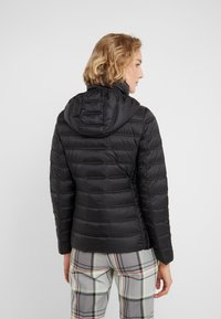 MICHAEL Michael Kors - SHORT PACKABLE PUFFER WITH HOOD - Down jacket - black - 2