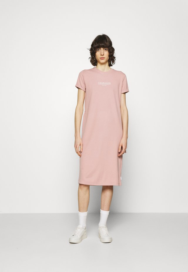 LOGO DRESS - Jerseyjurk - muted pink
