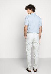 HUGO - HELDOR - Oblekové kalhoty - natural - 2