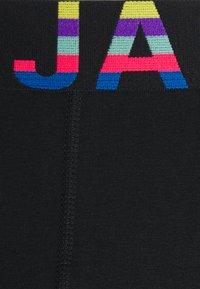 Jack & Jones - JACSTOCKED TRUNKS 3 PACK - Pants - black - 4