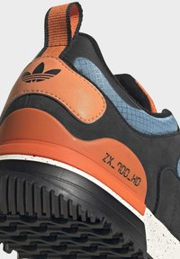 adidas Originals - ZX - Sneakers basse - core black easy orange orange - 9
