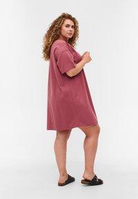Zizzi - Basic T-shirt - deco rose - 2