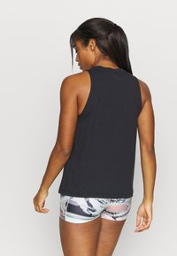 Under Armour - SPORTSTYLE GRAPHIC TANK - Sportshirt - black - 2