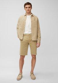 Marc O'Polo - RESO - Shorts - chestnut chocolate - 1