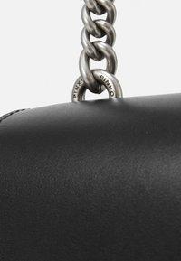 Pinko - LOVE CLASSIC ICON SIMPLY OLD - Across body bag - black - 4