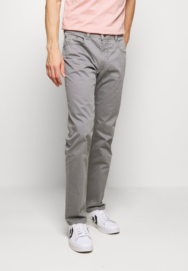 BROKEN TROUSER - Pantaloni - grey
