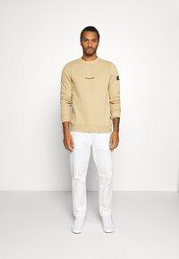 Redefined Rebel - BRUCE - Sweatshirt - travertine - 1