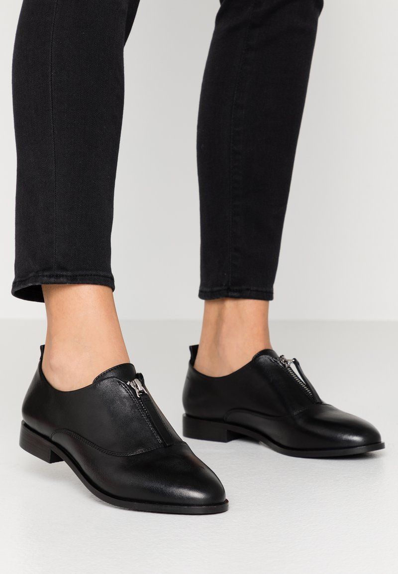 Zign - Slippers - black