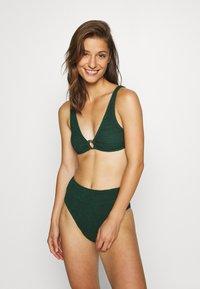 Hunkemöller - INDIO HILLS  - Bikini top - green - 1