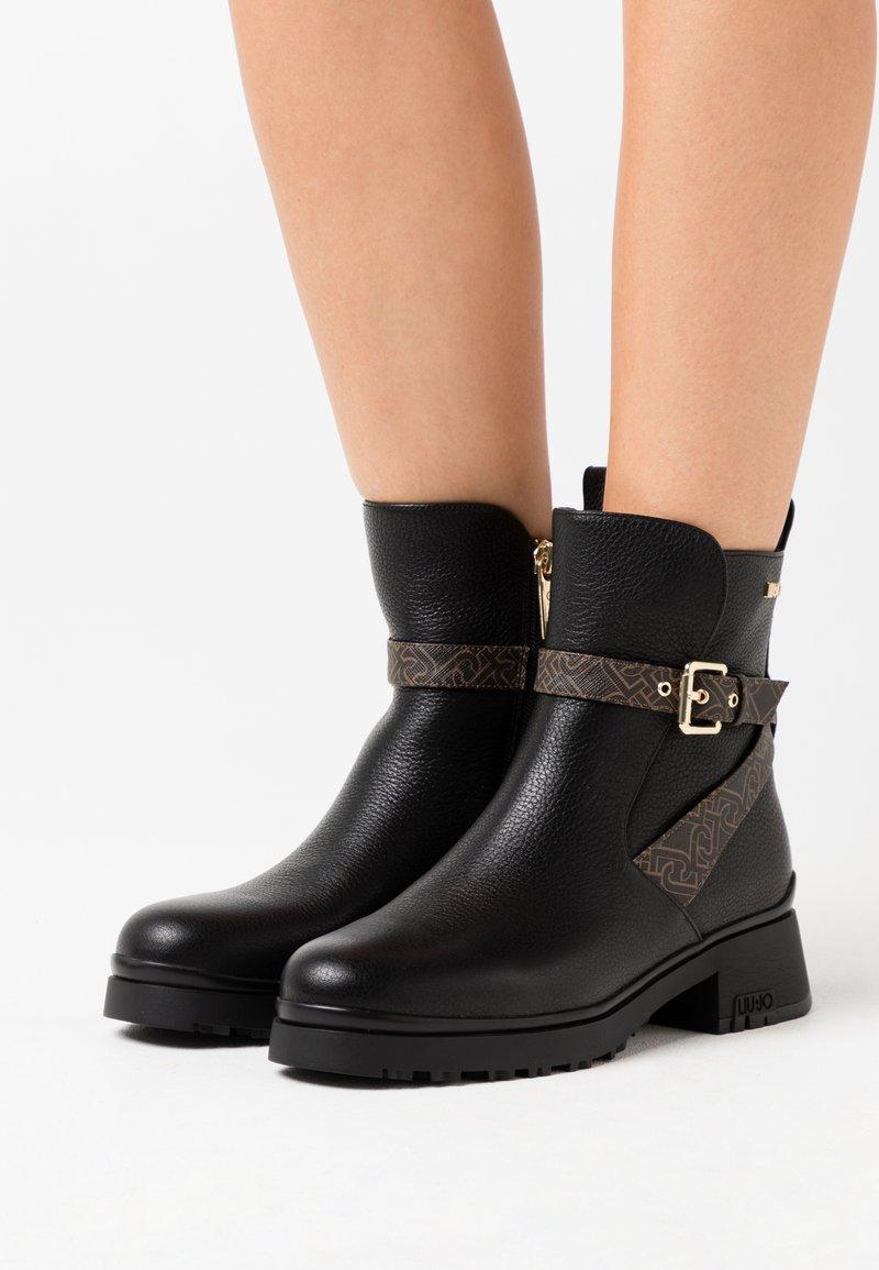 Liu Jo Jeans - NEW NANCY - Korte laarzen - black