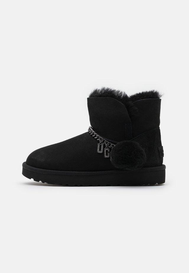 CLASSIC CHARM MINI - Korte laarzen - black