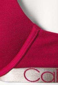 Calvin Klein Underwear - ICONIC LIFT DEMI - T-shirt bra - sweet berry - 6