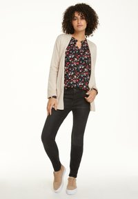 comma casual identity - MIT ALLOVER-MUSTER - Blouse - black camouflage - 1