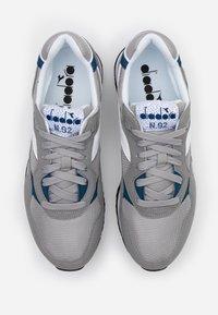 Diadora - N.92 - Zapatillas - paloma grey/white - 5