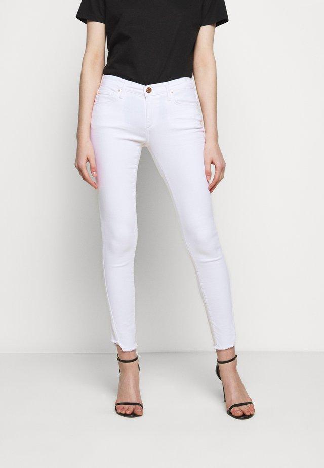 HALLE TRIANGLE TRUEFLEX  - Skinny džíny - white denim