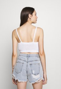 Missguided Petite - V NECK CROP - Top - white - 2