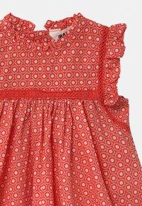 Cotton On - FLUTTER SLEEVE  - Day dress - red orange/vanilla polly - 2