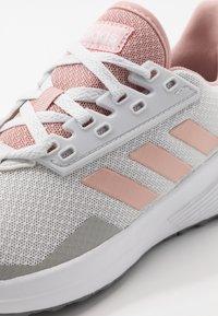 adidas Performance - DURAMO 9 - Juoksukenkä/neutraalit - dash grey/pink spice/footwear white - 5