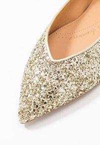 Chatelles - AMÉDÉE - Ballet pumps - light gold glitter - 2