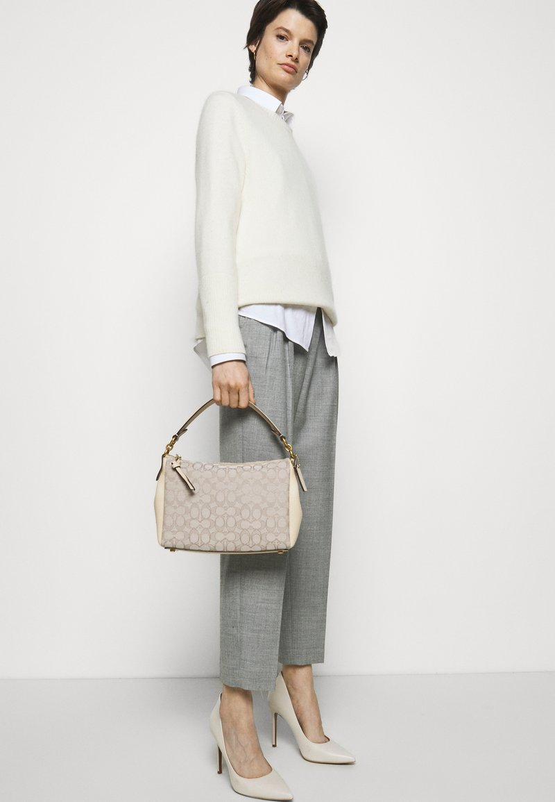 Coach - SIGNATURE SHAY CROSSBODY - Across body bag - stone ivory