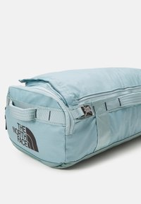 The North Face - BASE CAMP VOYAGER DUFFEL UNISEX - Sac à dos - tourmalineblu/aviatornavy - 3