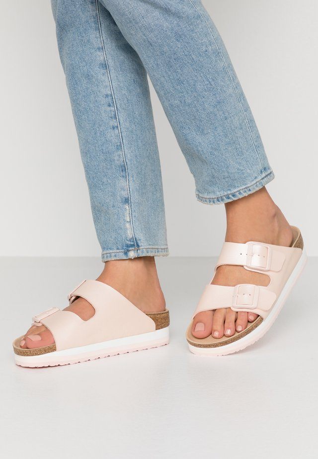 ARIZONA - Slippers - icy metallic light rose