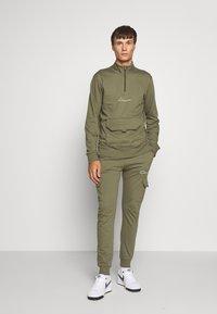 CLOSURE London - UTILITY JOGGER - Spodnie treningowe - khaki - 1