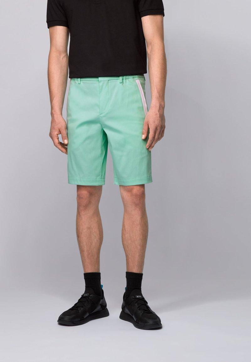 BOSS - LIEM - Shorts - open green