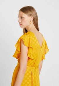 mint&berry - Day dress - yellow - 3