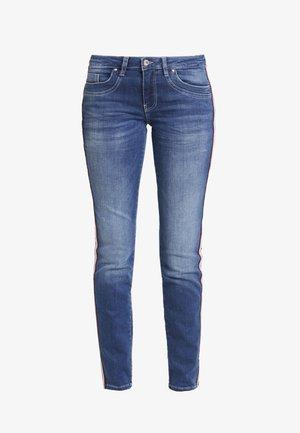 ALEXA - Slim fit jeans - mid stone wash blue