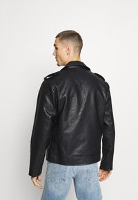 Redefined Rebel - RAUL JACKET - Faux leather jacket - black - 2