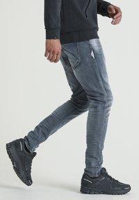 CHASIN' - EGO BOGER - Slim fit jeans - blue denim - 2