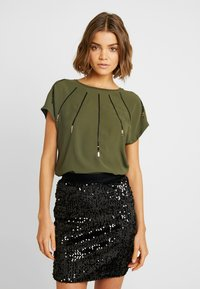 ONLY - ONLLOUISA SEQUINS - Blouse - kalamata - 0