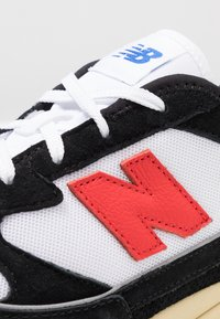 New Balance - MSXRC - Sneakers laag - black/red - 8