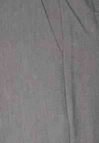 NA-KD - FRONT PLEAT SUIT PANTS - Bukser - black - 2