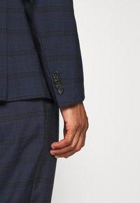 Calvin Klein Tailored - TELA CHECK NATURAL SUIT - Traje - blue - 9